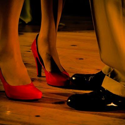 Dansa och bo på hotell i Örebro