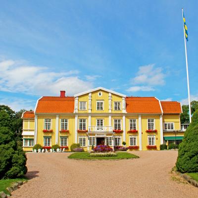 A Mansion Night at Ronnums Herrgård