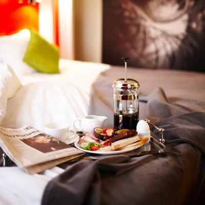 Bo 3 nätter betala för 2 på Hotel Savoy
